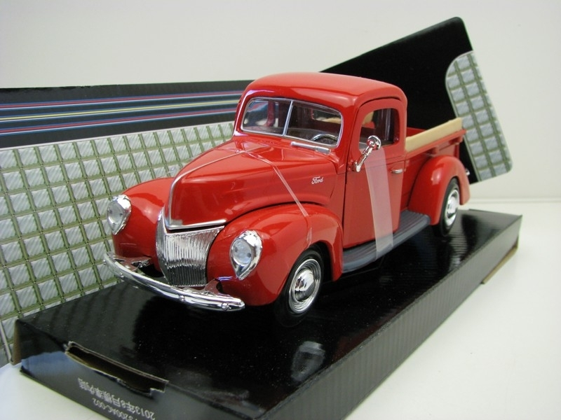 Ford Pick Up 1940 Red 1:24 Motor Max